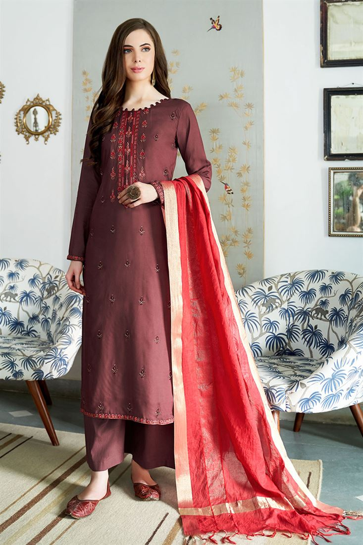Fabulous Viscos Muslin Fabric Salwar Suit With Embroidery Work